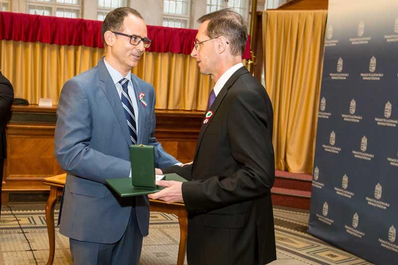 Bosch magyarországi vezetője is kapott állami kitüntetést