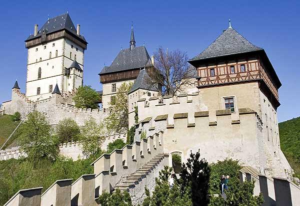 Csaknem 5,5 millió látogatót vonzottak előző évben a csehországi kastélyok és várak