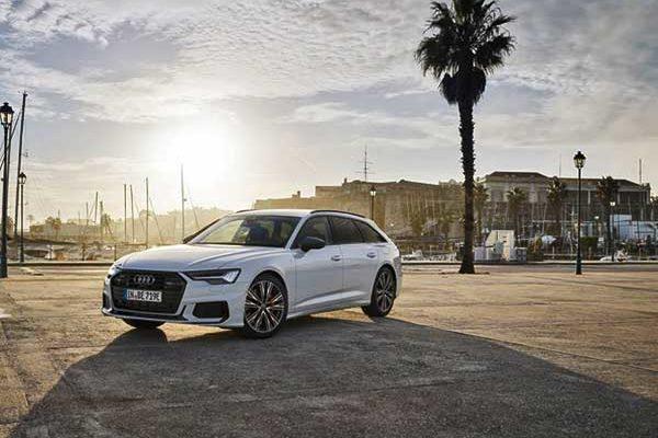 Az Audi nagyméretű kombi modellje most hálózatról tölthető hibridként szintén rendelkezésre áll: a modern A6 Avant TFSI e quattro